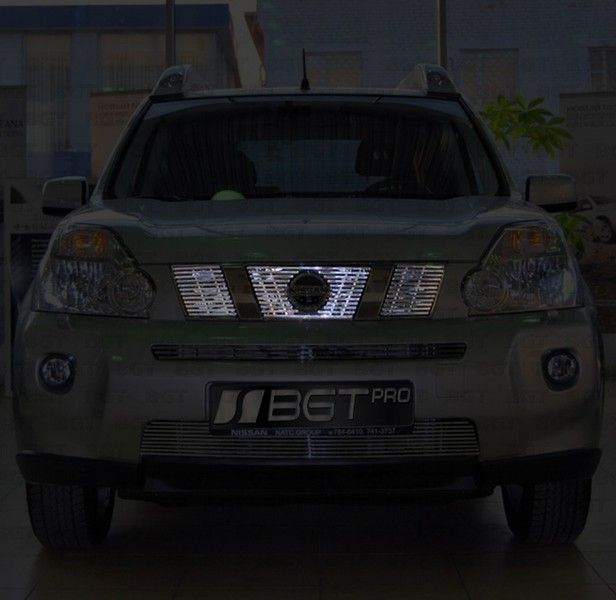 Тюнинговая решетка радиатора для Nissan X-Trail T31 2007-2011 (верхняя)