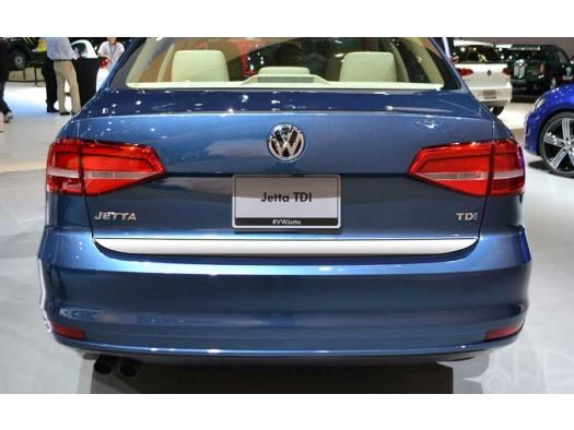 """Накладка на нижнюю кромку крышки багажника, нерж., 1 часть для VW Jetta VI """"14-"""